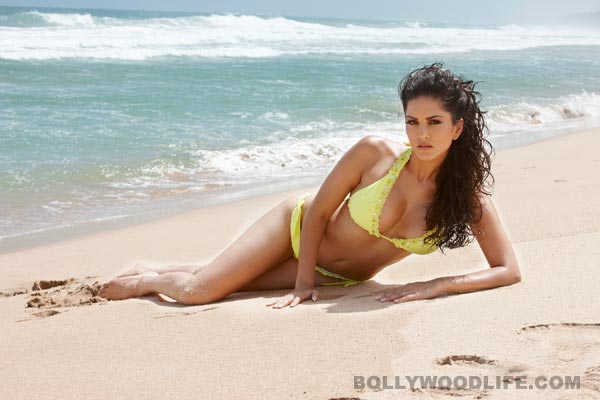 Who stole Sunny Leone's lingerie from the sets of Ragini MMS 2?