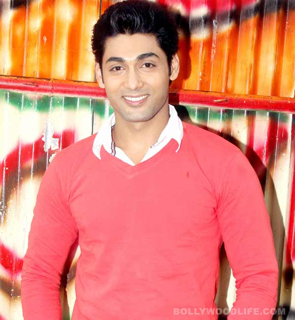 What did Ruslaan Mumtaz's fan do for him?