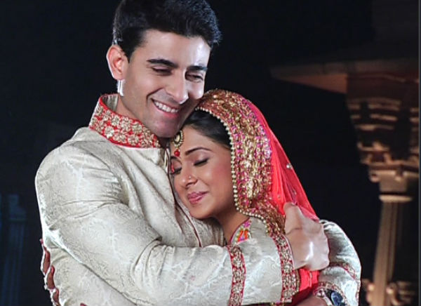 Saraswatichandra video: Kumud and Saras finally marry with blessings from everyone