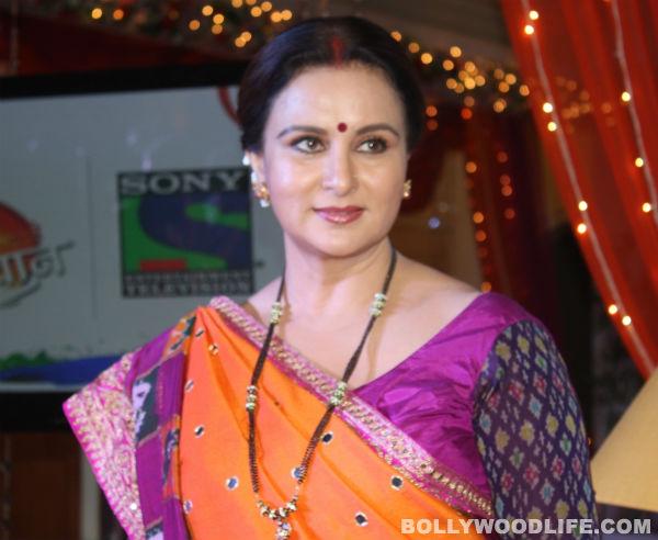 Ekk Nayi Pehchaan: LK Advani praises Poonam Dhillon!