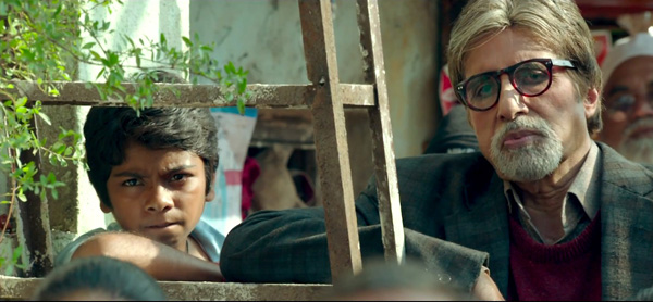 Bhoothnath Returns trailer: Amitabh Bachchan is back as the friendly ghost, but this time he is on a mission!