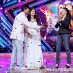Juhi Chawla and Madhuri Dixit on the sets of Boogie Woogie – View pics!