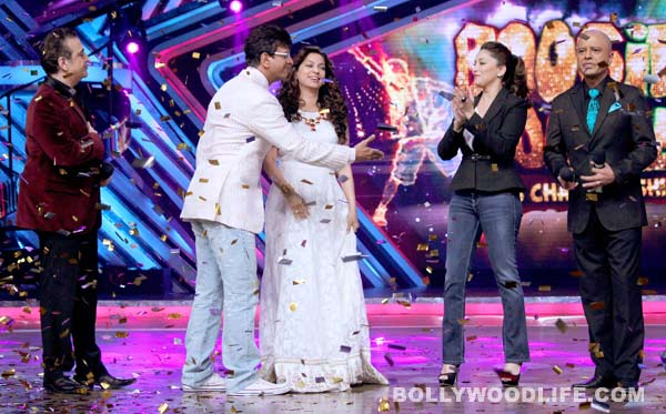 Juhi Chawla and Madhuri Dixit on the sets of Boogie Woogie - View pics!