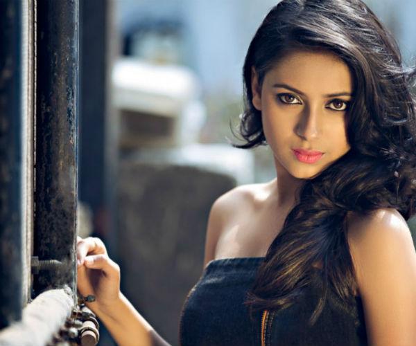 Should Pratyusha Banerjee change her profession?