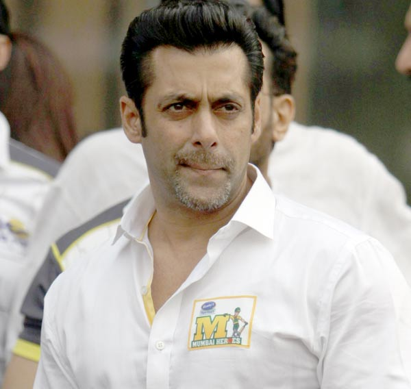 Why did Salman Khan's Mumbai Heroes not make it to the finals of CCL?