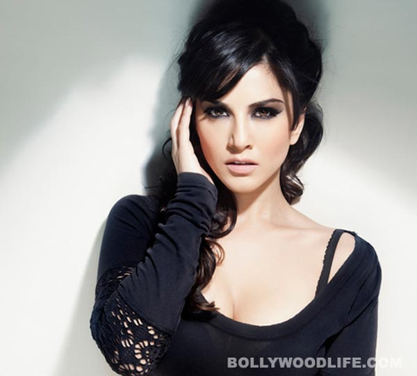 Who does sexy Sunny Leone find hot in Bollywood?