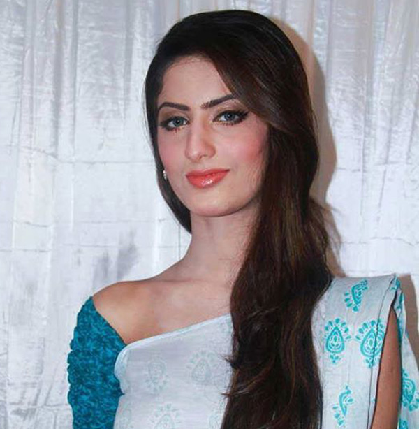 Pakistani actor Sana Khan dies in road accident