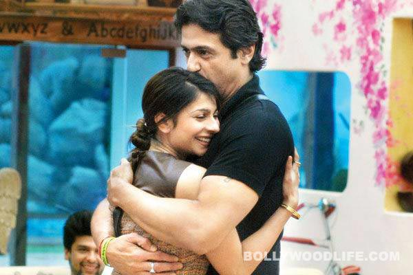 Armaan Kohli and Tanishaa Mukherji engaged, to be married soon!