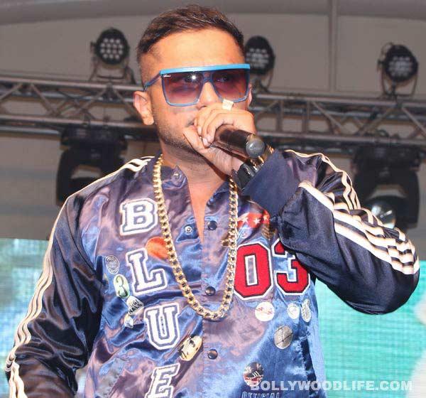 Yo Yo Honey Singh parties all night with friends in Dubai!