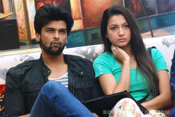 Kushal Tandon admitted to the hospital, ladylove Gauhar Khan stays by his side