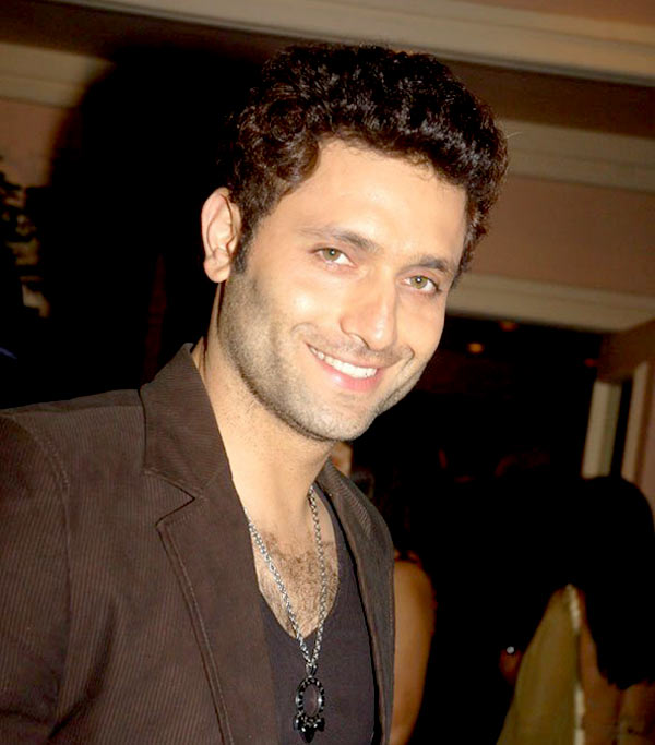 Shiney Ahuja to make a comeback in Bollywood with John Abraham starrer Welcome Back