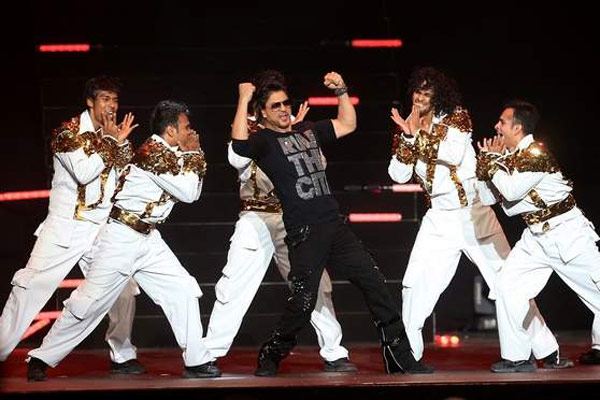 IPL 7 opening ceremony: Is Shahrukh Khan the biggest entertainer of Bollywood? Vote!