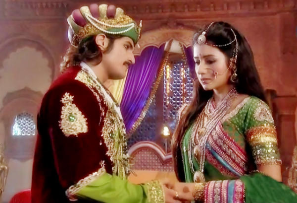 Jodha Akbar: Will Rajat Tokas be able to bring back Paridhi Sharma to Agra?