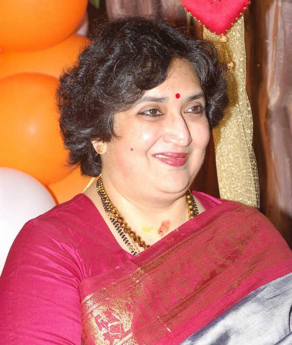 Rajinikanth's wife Latha croons for daughter Soundarya's directorial debut Kochadaiiyaan