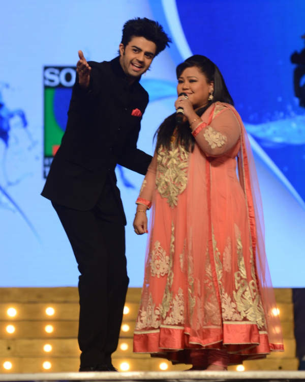 Who will be Bharti Singh's potential groom at the Umang awards 2014?