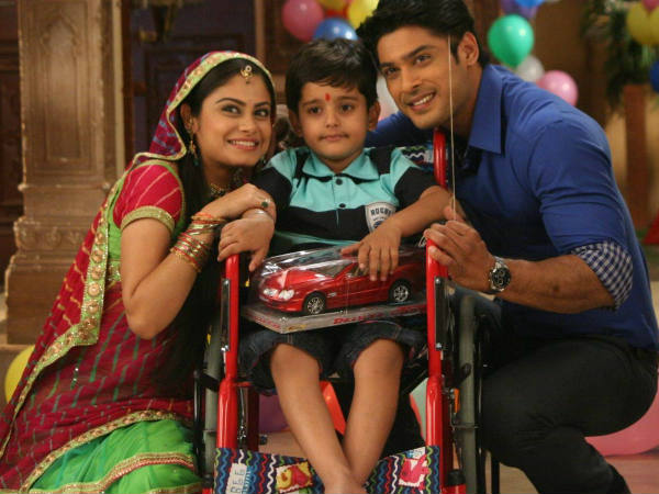 Balika Vadhu: Will Anandi and Shiv find Amol in time?