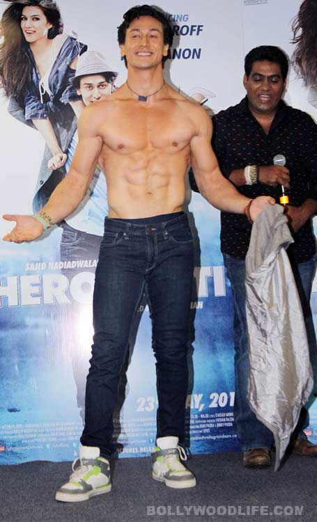 Tiger Shroff shows off his chiseled body on World Dance Day - View Pics