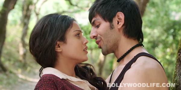 Why did Mishti Mukherjee take more than 30 retakes to kiss Kartik Aaryan in Subhash Ghai's Kaanchi?