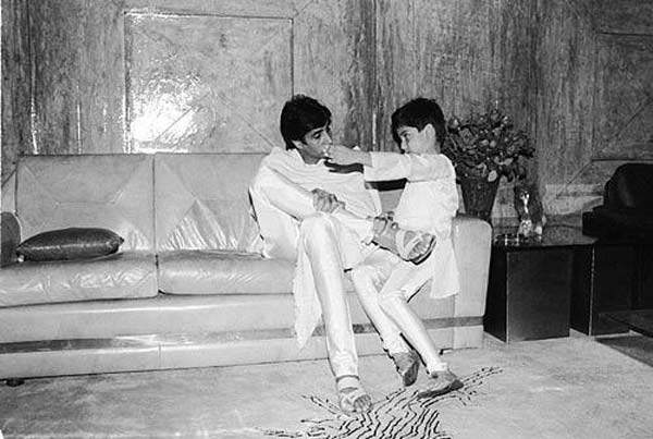 Amitabh Bachchan gets nostalgic about his Coolie accident