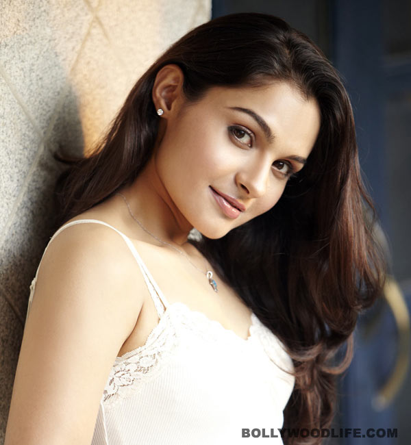 Andrea set to sizzle in an item number for Vishal's Poojai