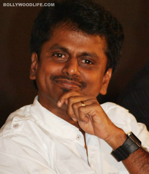 What did AR Murugadoss promise his Hindi fans?