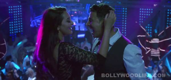 Holiday song Blame the night: Sonakshi Sinha and Akshay Kumar's club number is peppy!