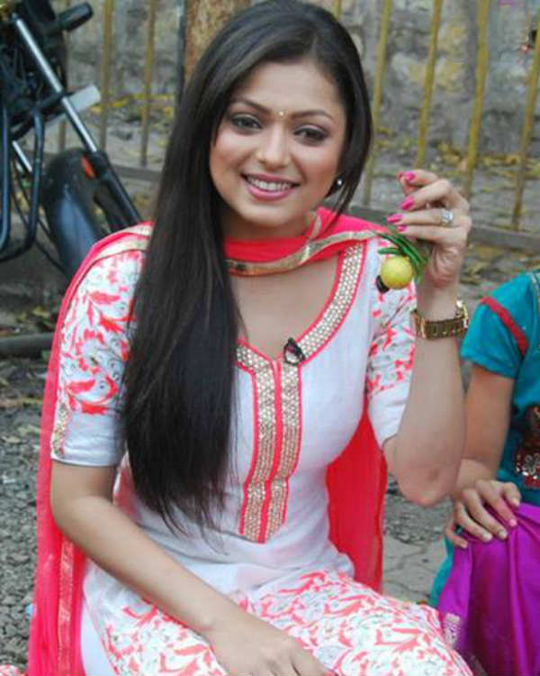 Mission Sapne: Is Drashti Dhami superstitious? View pics!