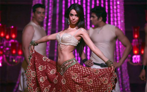 Will Mallika Sherawat's dirty tactics help salvage her Bollywood career?
