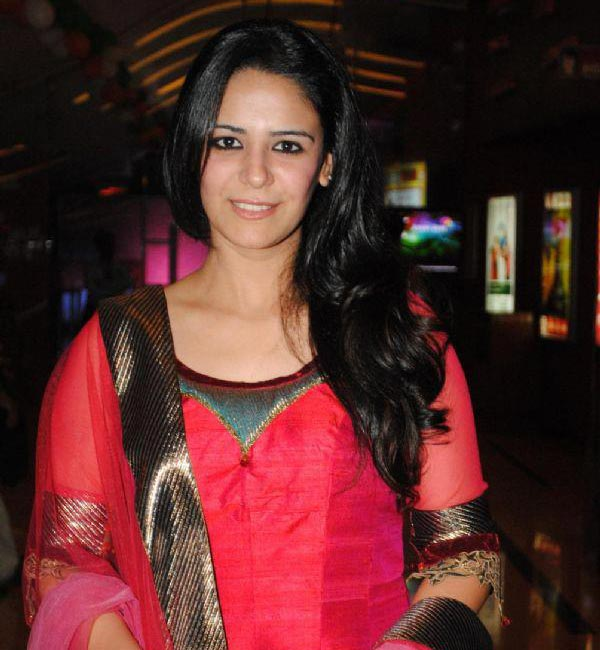 Why has Mona Singh sworn off telly soaps?