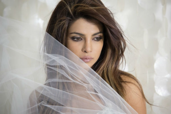 Behind the scenes of I Can't Make You Love Me: Priyanka Chopra in a sexy avatar. Watch Video!