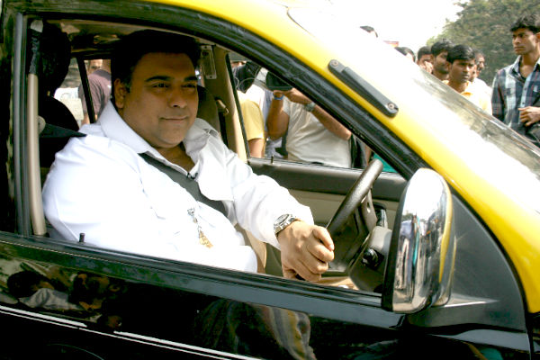 Mission Sapne: Ram Kapoor breaks traffic rules – View pics and video!