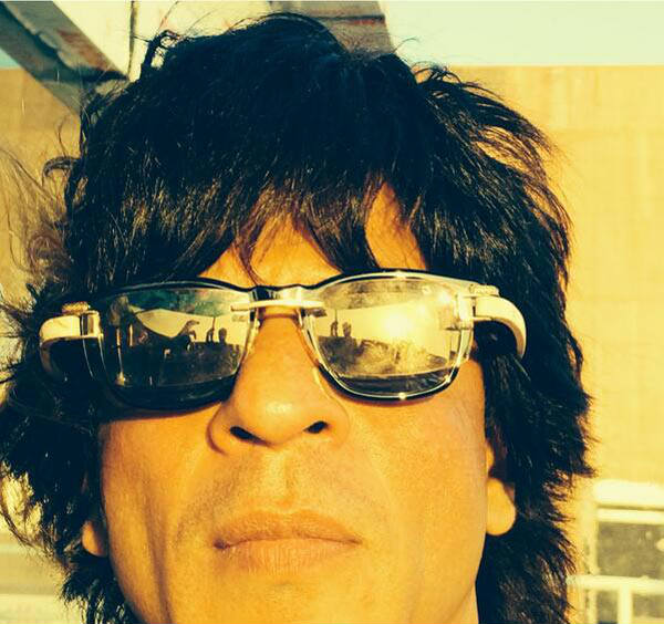 Shahrukh Khan shaves off his beard for Happy New Year