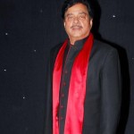 Why did Shatrughan Sinha get admitted in the hospital?