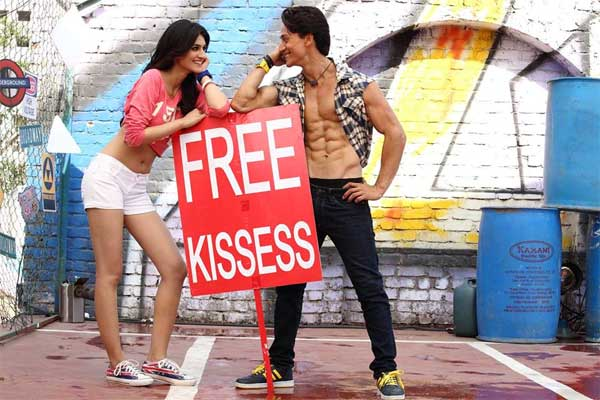 Heropanti song The Pappi Song: Tiger Shroff and Kriti Sanon's Punjabi rap number is grooving!