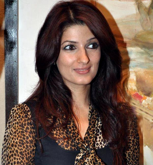 Twinkle Khanna teaches lesson to eve teasers!