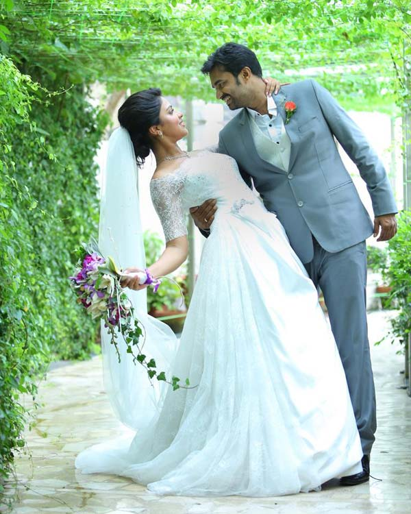 Amala Paul-AL Vijay engagement brews controversy!