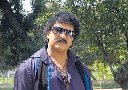 V Ravichandran plans dream debut for son Manoranjan