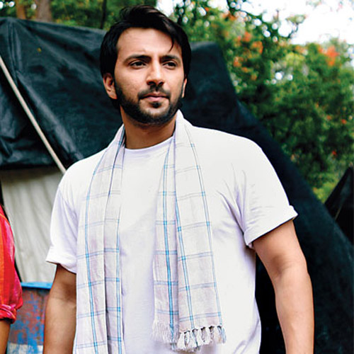 Ali Merchant back in a rugged look