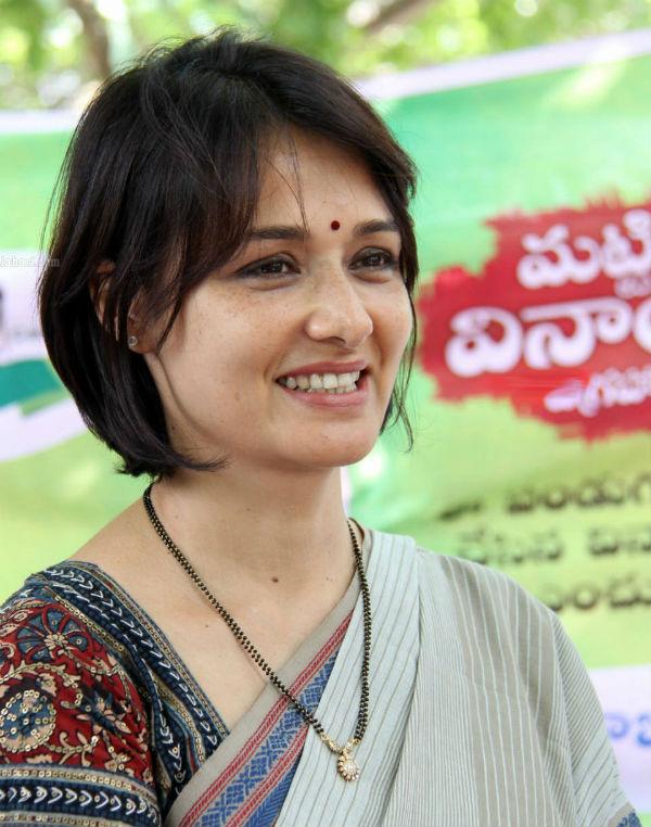 Amala Akkineni praises Saivam