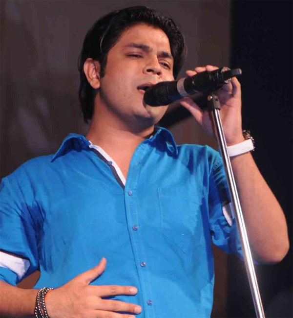 Galliyan singer Ankit Tiwari accused of rape wants to stop brooding over it!