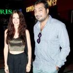 Anurag Kashyap uncomfortable posing with Kalki Kochelin?