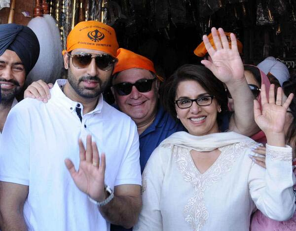 Neetu Kapoor ditches Ranbir Kapoor to join hubby Rishi and Abhishek Bachchan at the Golden Temple