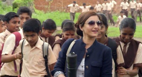 Chaarfutiya Chhokre trailer: Soha Ali Khan looks like a misfit