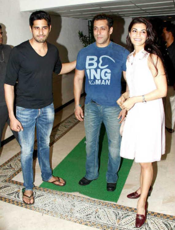 Sidharth Malhotra celebrates Ek Villain success with Salman Khan, Jacqueline Fernandez and Karan Johar - View pics!