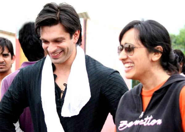 Karan Singh Grover and Gul Khan producing the remake of the Modern Family?