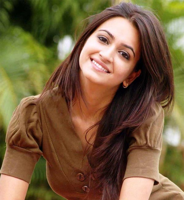 Kriti Kharbanda: I find Saif Ali Khan and Farhan Akhtar desirable