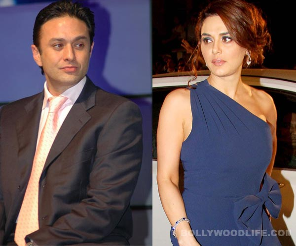 Ness Wadia supporters protest against Preity Zinta