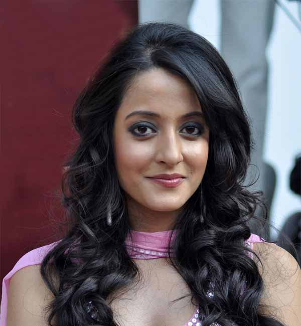 Why does Raima Sen prefer playing a doctor's role ...