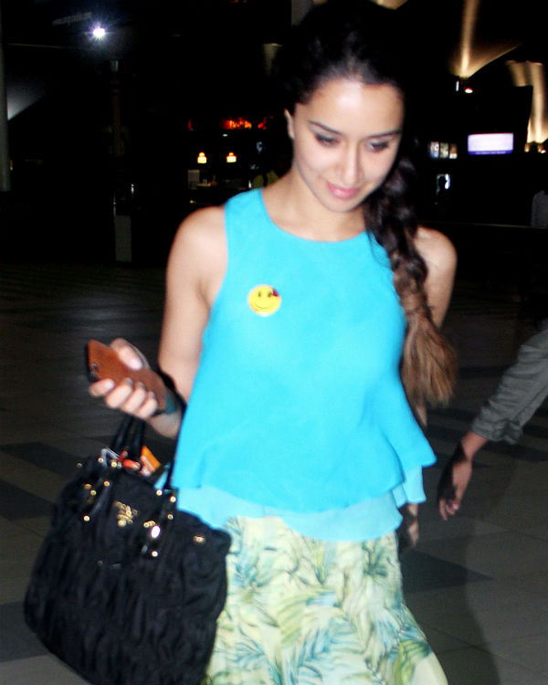 Shraddha Kapoor acts pricey, faces media ire!