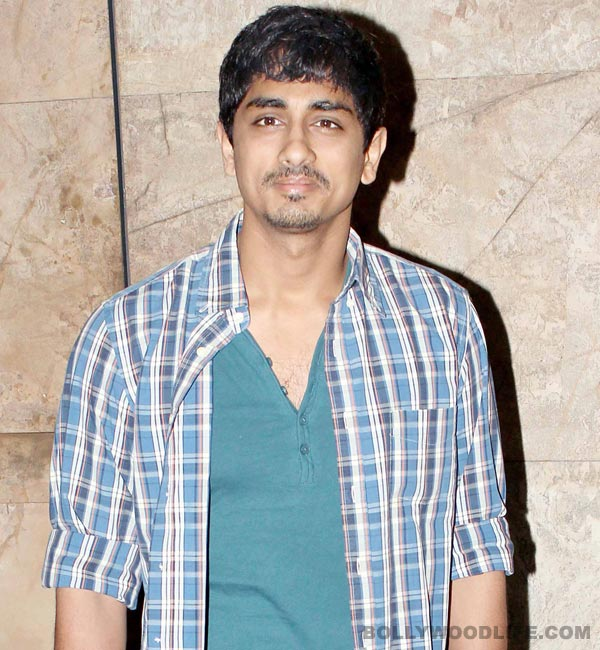 Why is Siddharth upbeat despite of fractured wrist?
